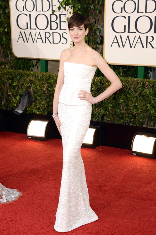 Anne+Hathaway+Chanel+Golden+Globe+Awards+2013+1