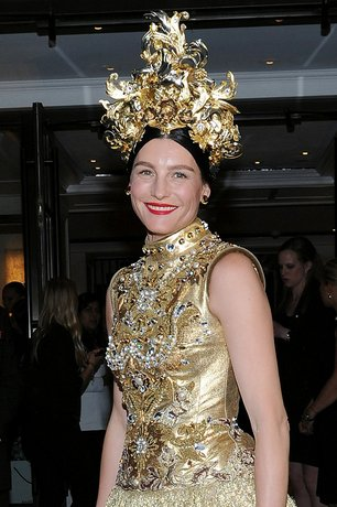 554815885f9534293a84382d_met-gala-orient-head-pieces-trend-tabitha-simmons